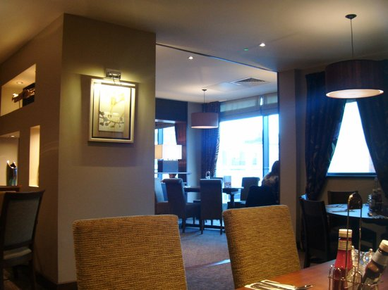 Premier Inn Canterbury City Centre Hotel : breakfast in the restaurant
