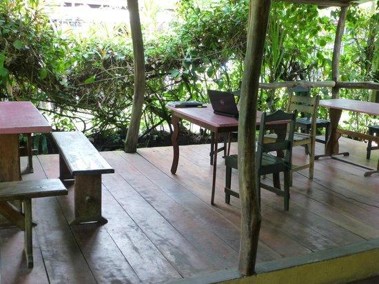 Cabinas Tortuguero: Aufenthaltszone