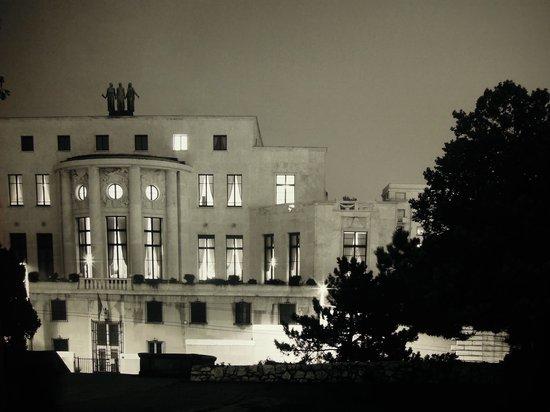 Cite de l'Architecture et du Patrimoine: Ambassade de France en Serbie