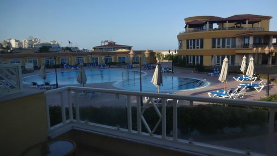 Mediterranean Azur Hotel : Morning view - one of the pods