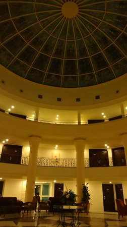 Mediterranean Azur Hotel : The main pod over the disco (avoid)
