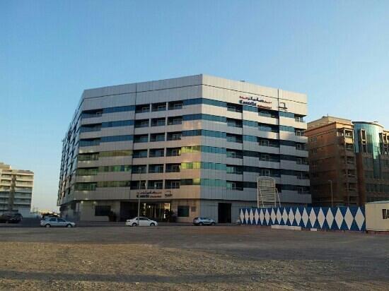 Cassells Al Barsha Hotel Dubai: from sharaf dg