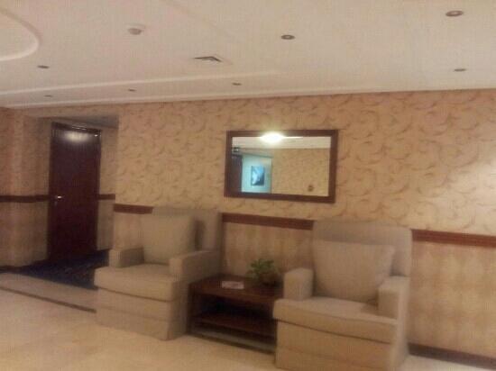 Cassells Al Barsha Hotel: inside