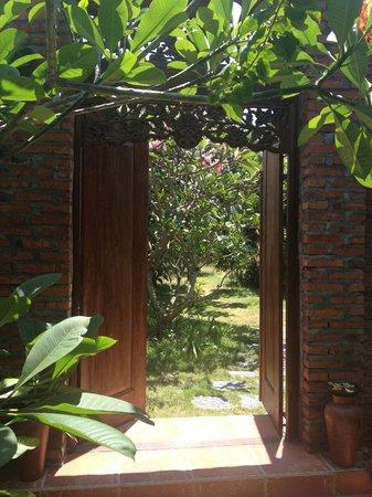 Rumah Boedi Private Residences Villa Kuta Bali: garden