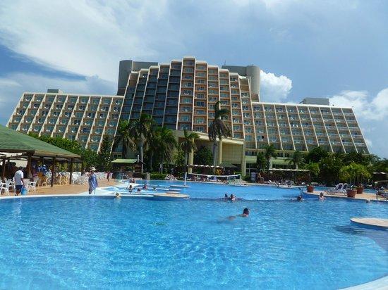 Blau Varadero Hotel Cuba: POOL AREA