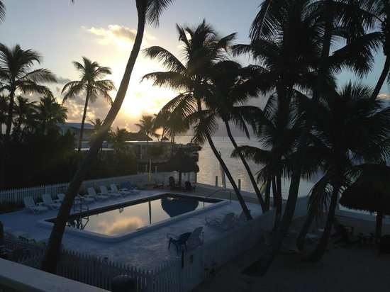 Drop Anchor Resort: Sunrise from balcony