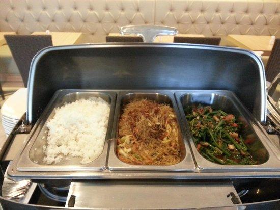 Avissa Suites: Breakfast buffet - Asian Section