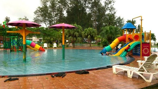 Small water park picture of de rhu beach resort kuantan for Small beach hotels