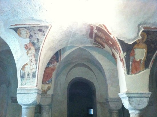Cattedrale di San Pietro Apostolo a Treviso, la Cripta con gli affreschi