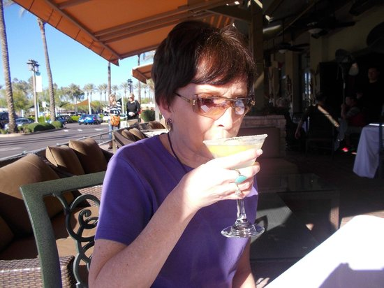 Village Tavern Scottsdale: Christmas Eve On The Patio