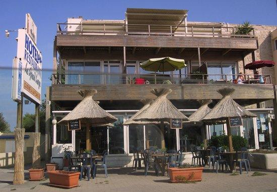 Hotel Restaurant Le Grand Large: Vorderansicht - sehr schön