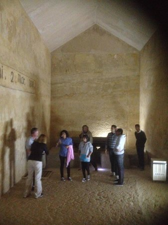 Egypt Day Tours: Main chamber of 2nd Pyramid