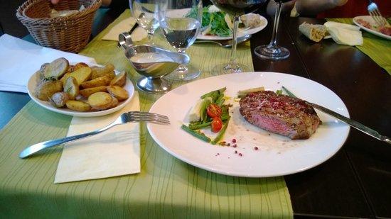 TOWERS Steak & Salad: Entrecote