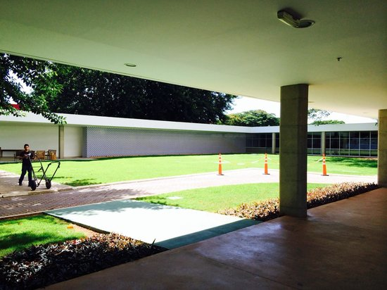 Brasilia Palace Hotel: Jardin central