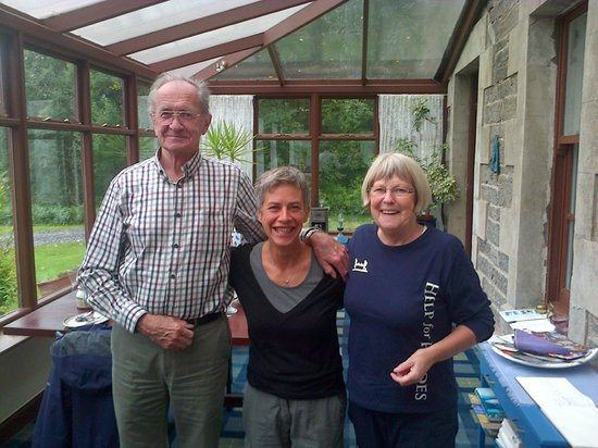The Gardens B&B: me with wonderful Tina and Jim