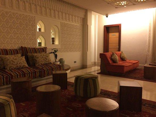 K108 Hotel: Lobby