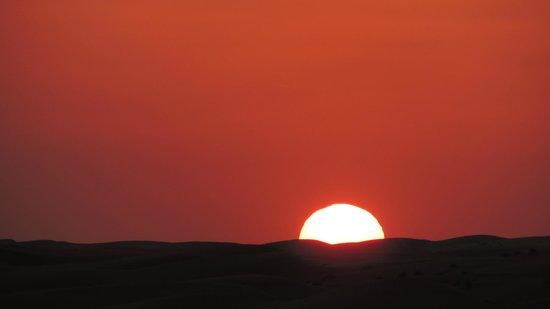 Desert Nights Camp: coucher du soleil