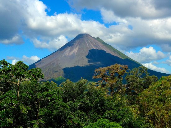 Sky Adventures - Arenal Park: volcano view from restaurant
