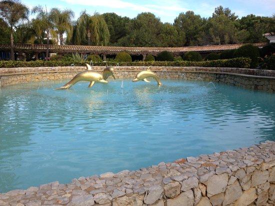 Vila Vita Parc Resort & Spa: Fontana d'ingresso dell'albergo