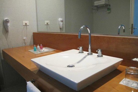 Design Suites Calafate: Banheiro limpinho