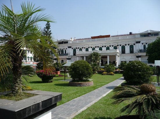 Hotel Shanker: Shanker Hotel met prachtige grote tuin