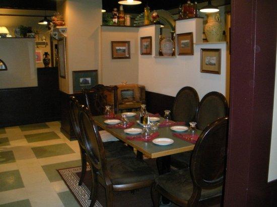 Cordova Bistro: intimate dining