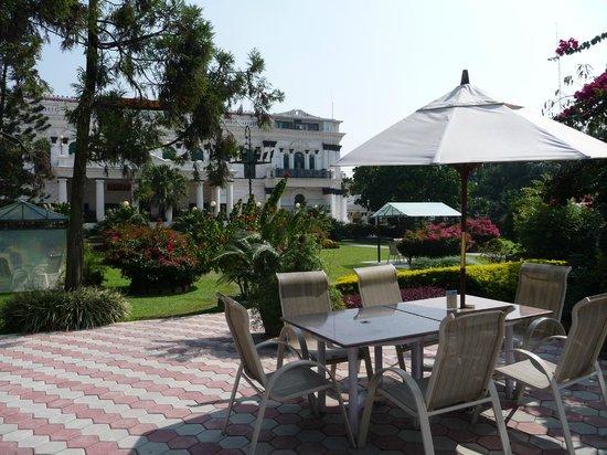 Hotel Shanker: Mooie tuin