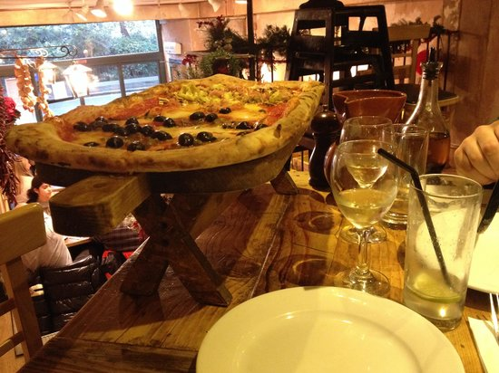 Made In Italy King's Road: Two pizzas in one: romana and cappricosa.