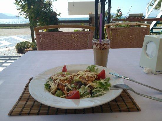 Hotel Letoon: caesar salad and chocolate milkshake for lunch