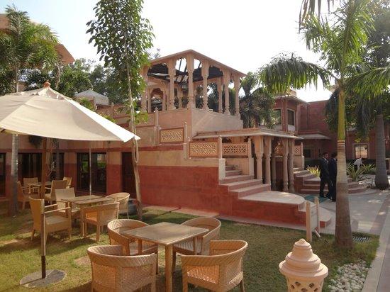 Orient Taj: Restaurant