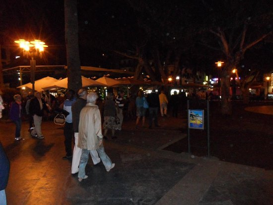 Marquesa Hotel: Market Square early evening