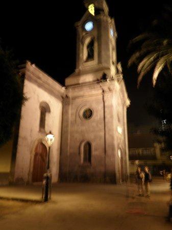 Marquesa Hotel: Church opposite hotel