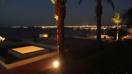Movenpick Resort Sharm El Sheikh Naama Bay: View of Naama bay from room