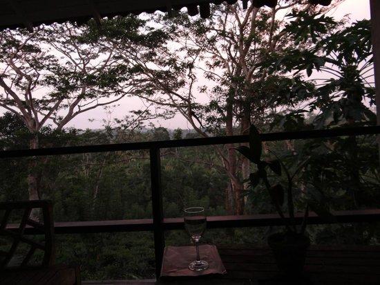 Kahanda Kanda: Mango Suite view at dusk