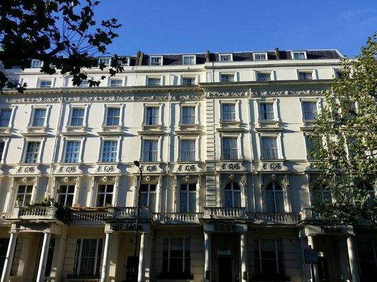 Berjaya Eden Park London Hotel: Hotel Front View
