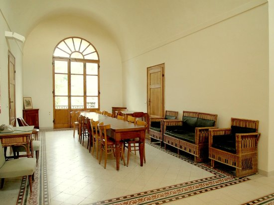Istituto Emiliani: Saletta al piano delle Camere