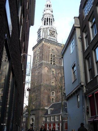 De toren van de Oude kerk .