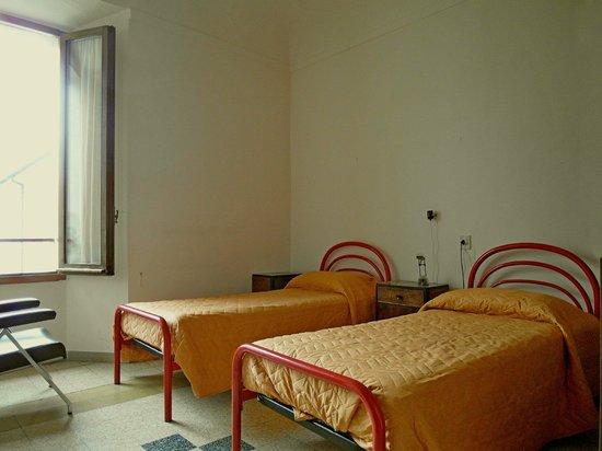 Istituto Emiliani: Camera a due letti