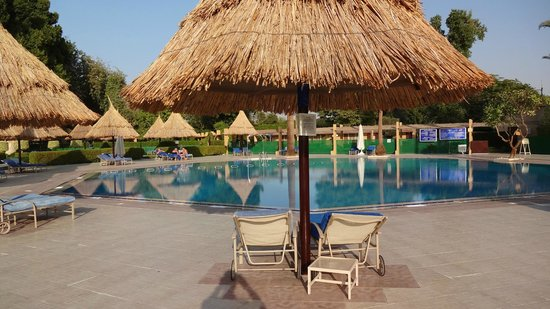 Jolie Ville Hotel & Spa - Kings Island, Luxor: One of two pools