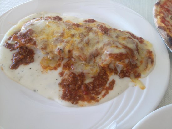 Bella Mama at Delta Hotel: Lasagna