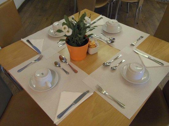 Hotel Lisboa Tejo: Sala pequeno-almoço