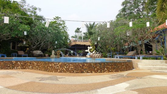 Ao Chalong Villa & Spa: piscine