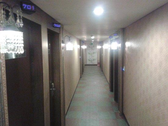Benikea Hotel Amour and Symphony: Corridor