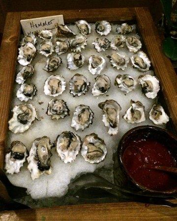 Deer Valley Seafood Buffet: Oyster Bar