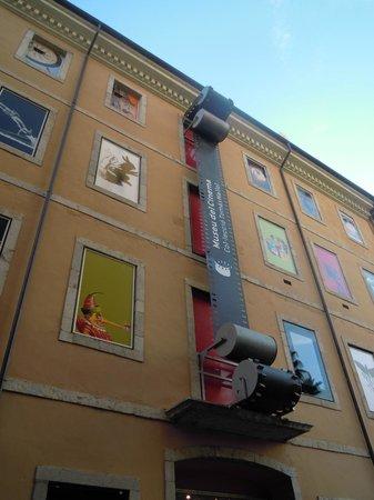 Film Museum (Museu del Cinema) : altro particolare esterno