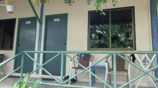 Ao Chalong Villa & Spa: Extérieur de la chambre