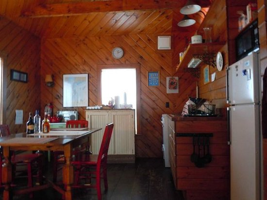 West Quoddy Head Station: Kitchen/Dining area of The Cabin