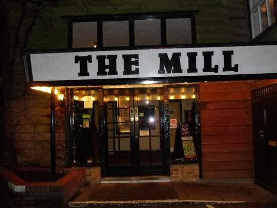 The Mill at Sonning Theatre: The entrance