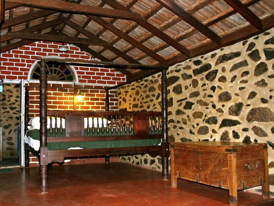 Elephant Valley Eco Farm Hotel: 3 Person Bungalow