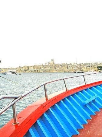Luzzu Cruises: Valetta
